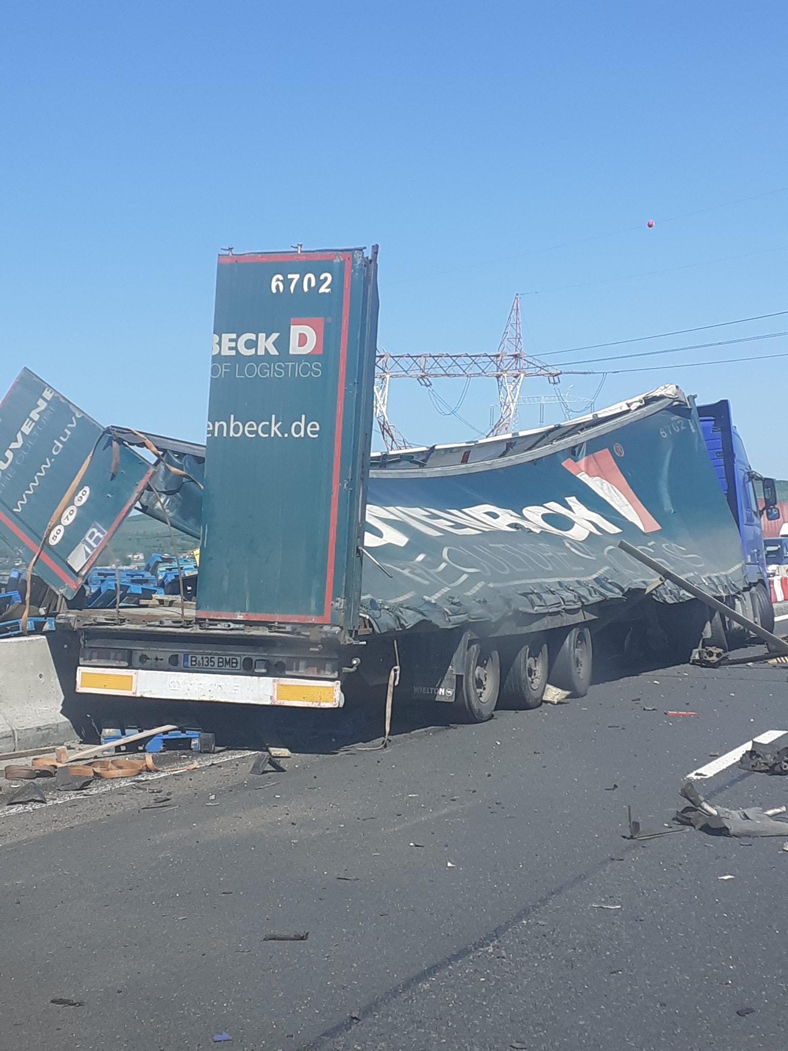 Un șofer a intrat cu TIR-ul în parapet, pe autostradă, în zona Hornbach