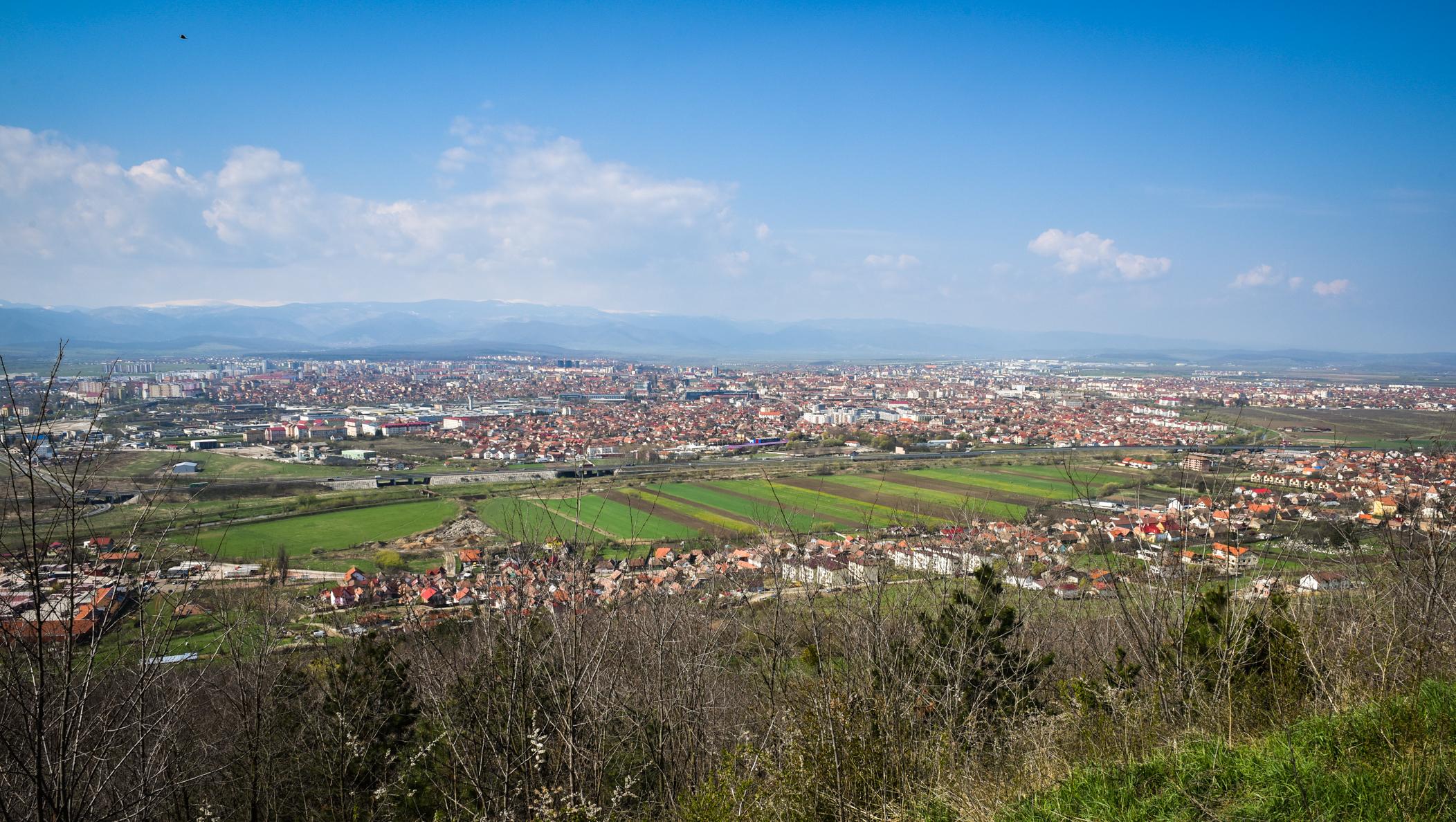 """Șase luni de Aerliber: Care sunt cele mai poluate cartiere ale Sibiului? """"Vom monta senzori la toate școlile din oraș"""""""