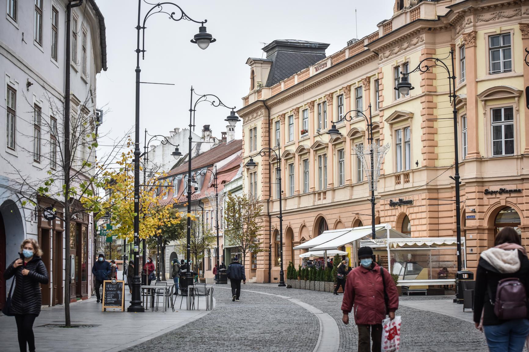 Incidență de peste 3 la mie în două localități din județ. Municipiul Sibiu, în scădere. Statistica pe fiecare localitate