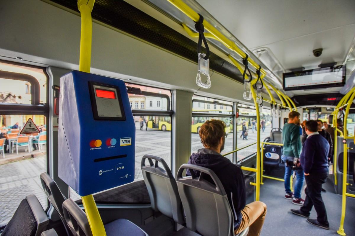 """Autobuze școlare la Sibiu. PNL: """"faza pilot, cursele vor fi doar dimineața"""". Primăria: e nevoie de un studiu. Tursib: din nouă trasee, propunem două"""