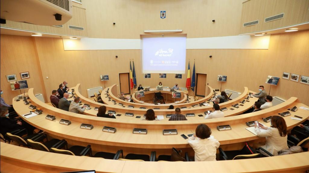 CJ Sibiu: parteneriat pentru angajarea persoanelor cu dizabilităţi şi a tinerilor din centrele de plasament
