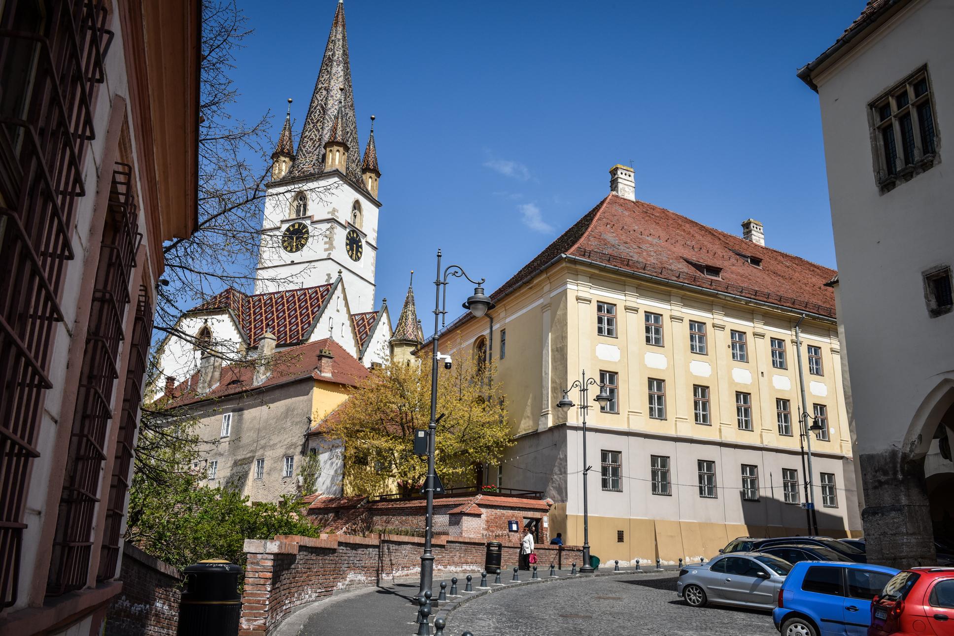 Incidența continuă să scadă în Sibiu. Trei localități au incidența peste 3 la mie, iar la Cisnădie se menține