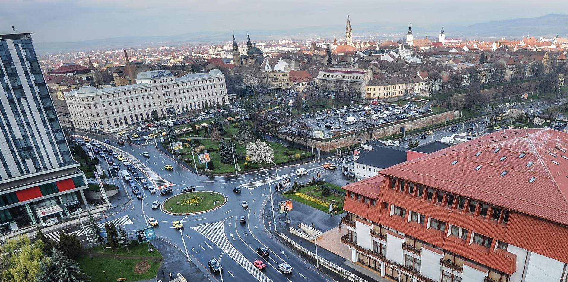 Primul centru de vaccinare drive-through din Sibiu, în parcarea de la Cazarma 90
