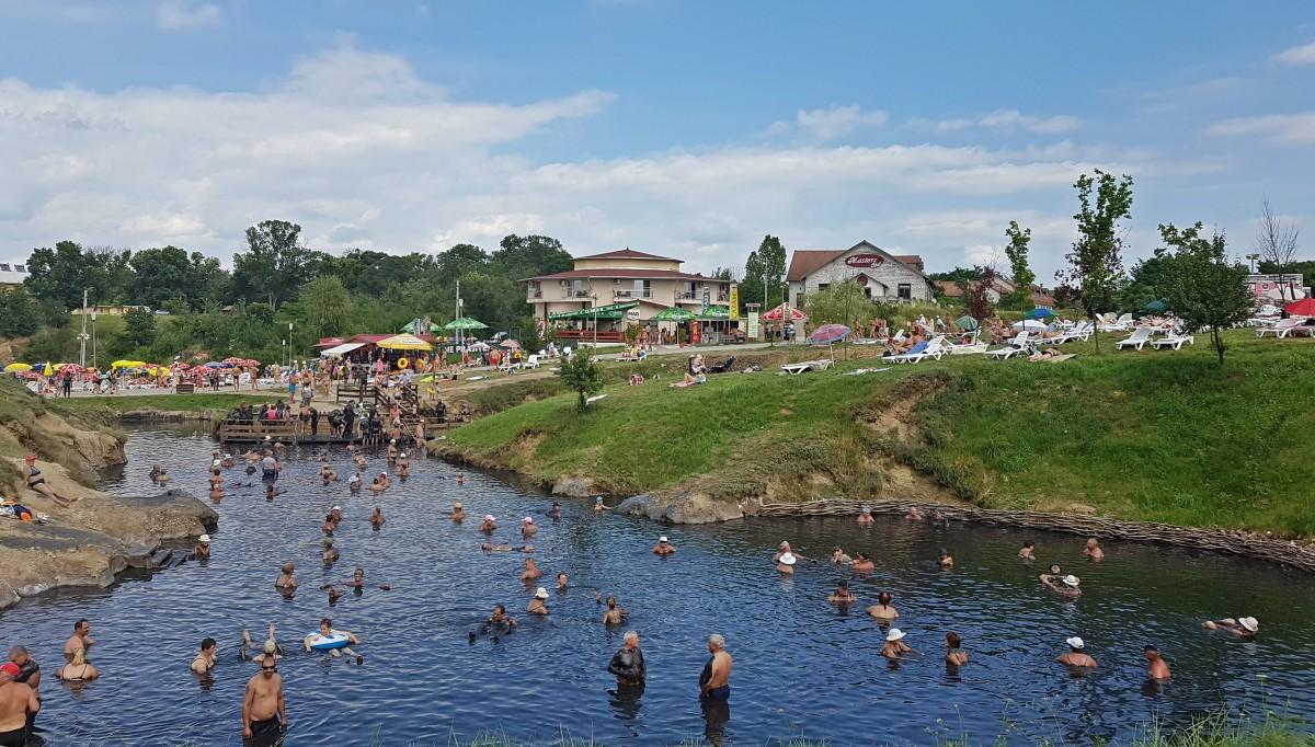 """Lacurile de la Ocna Sibiului s-ar putea deschide după 15 mai. """"Așteptăm să vedem condițiile"""""""