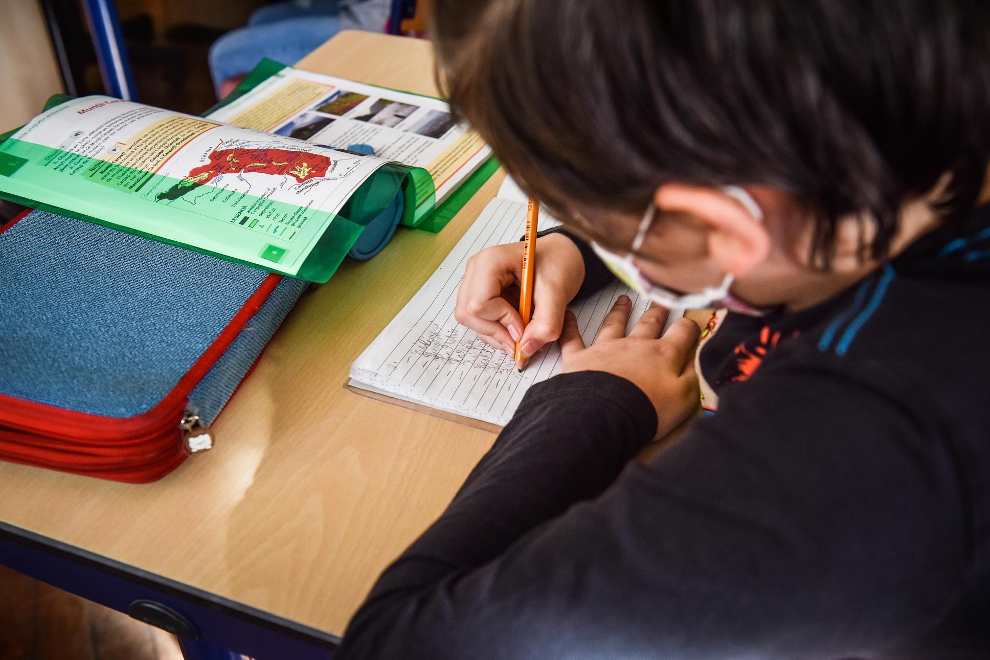 Niciun caz de îmbolnăvire cu SARS CoV-2 în școlile din Sibiu