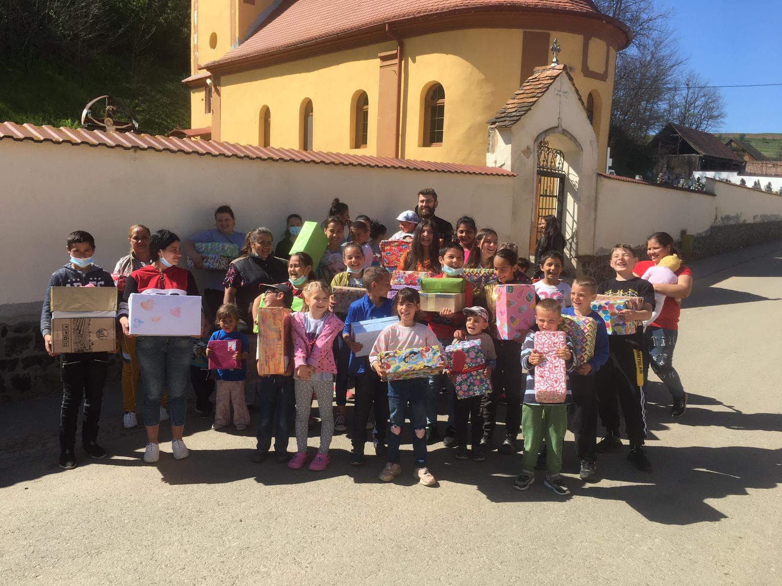 """În Săptămâna Mare copiii Grădiniței """"Căsuța Poveștilor"""" din Sibiu au învățat să dăruiască"""