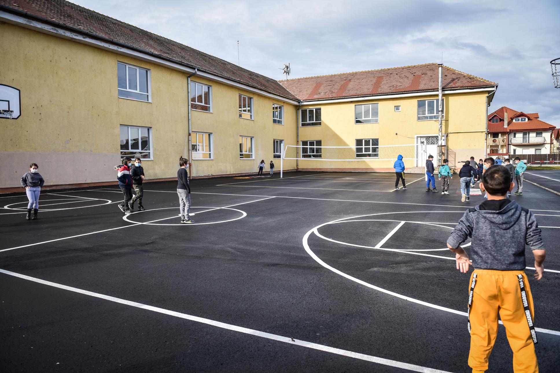 Nicio școală din județul Sibiu nu se mai află în scenariul roșu. A doua zi fără cazuri de COVID raportate