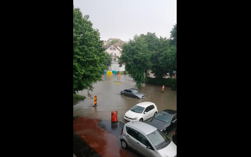 VIDEO Inundații în Sibiu, din cauza precipitațiilor abundente din ultima oră