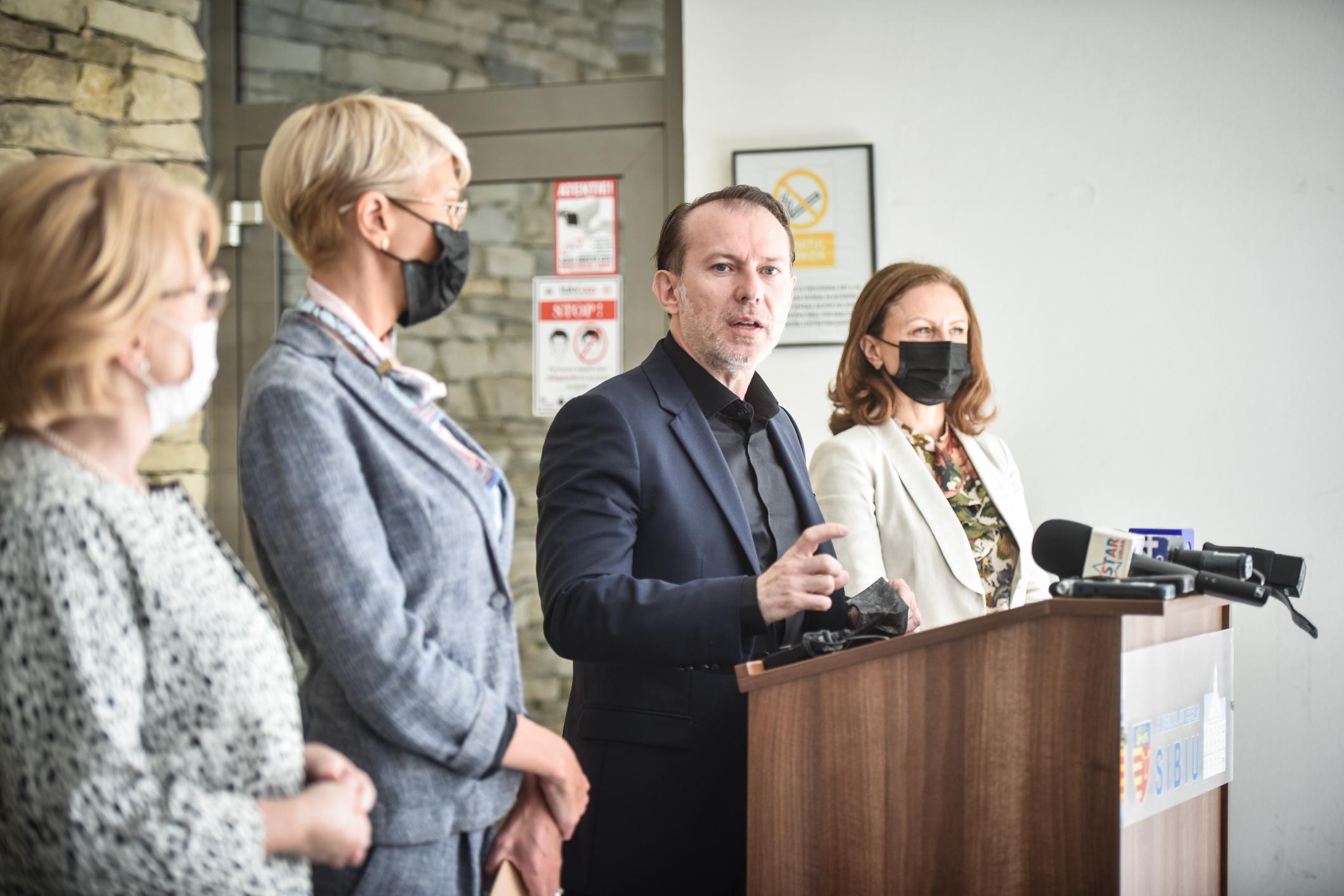 """Premierul Cîțu dă asigurări că noul spital al Sibiului va avea finanțare: """"S-ar putea să fie spitalul nou făcut cel mai rapid"""""""