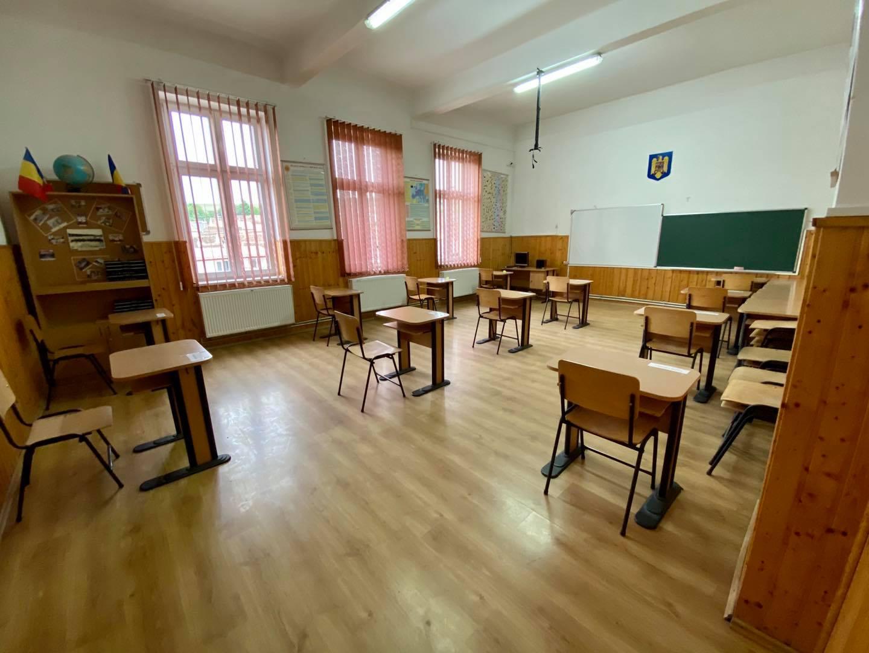 Guvernul urmează să aprobe decontarea transportului pentru elevii care nu pot fi şcolarizaţi în localitatea de domiciliu