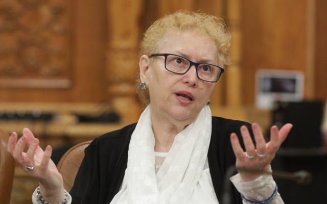 Parlamentul a votat revocarea din funcţie a Avocatului Poporului, Renate Weber