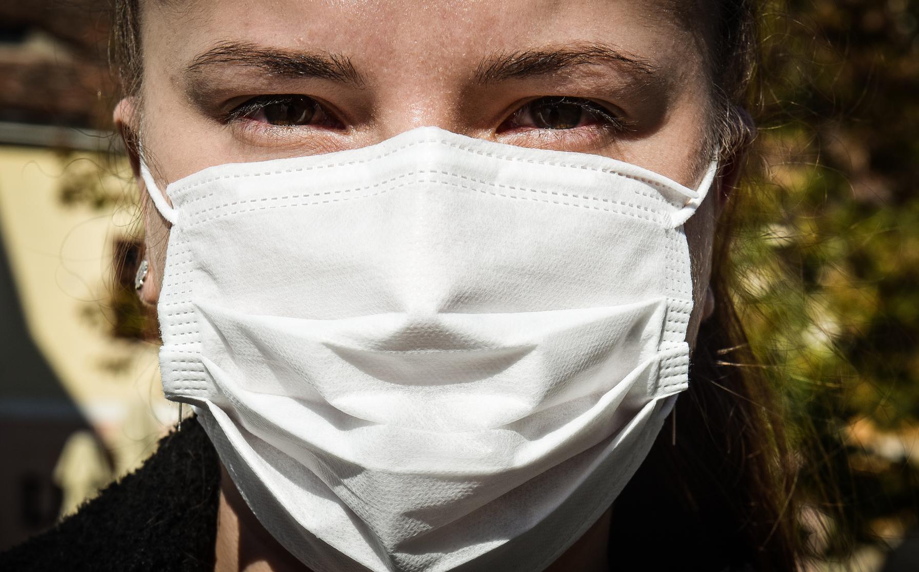 Studiu: Infectarea cu COVID-19 poate să nu ofere protecţie împotriva noilor variante îngrijorătoare