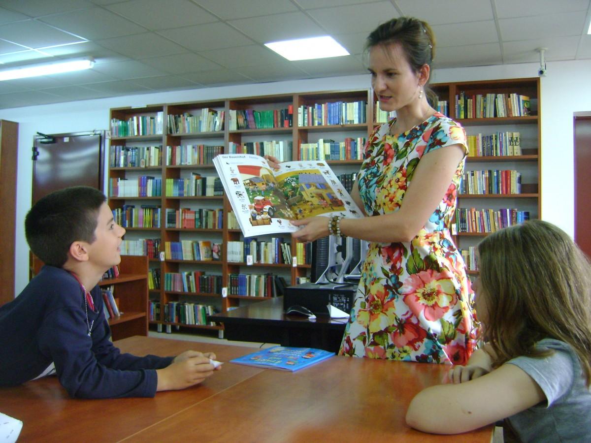 Capitală culturală: o treime din posturile Bibliotecii Astra se desființează. Oameni dați afară, program de lucru diminuat