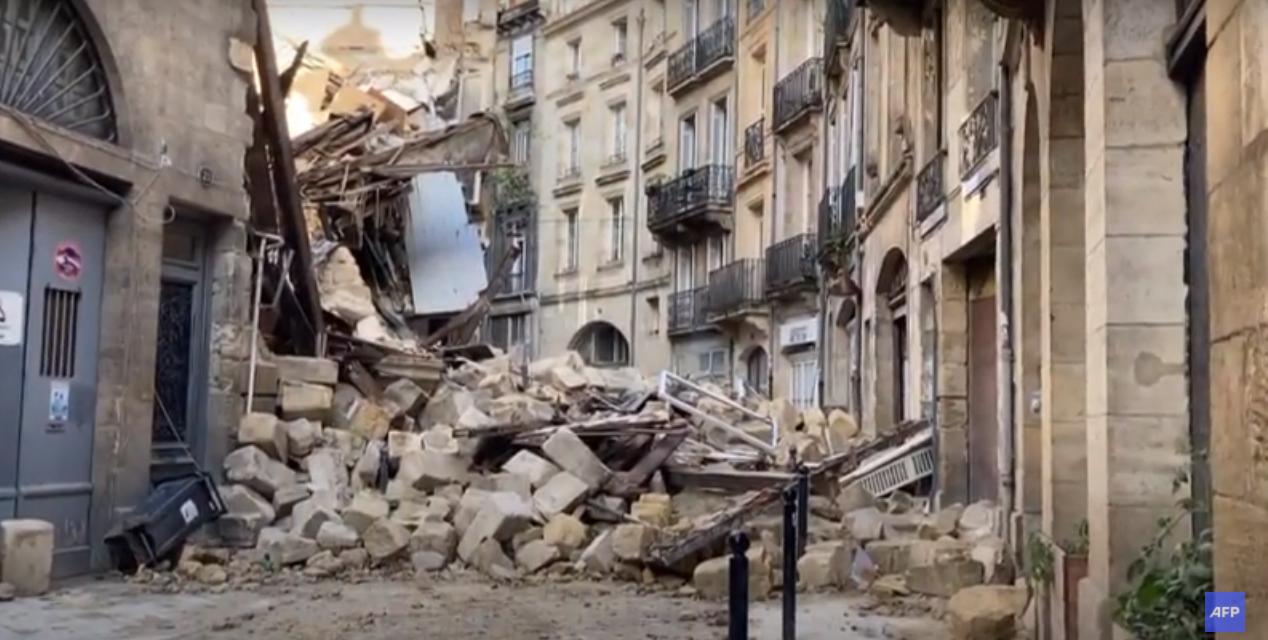 Video Două clădiri s-au prăbuşit în centrul orașului Bordeaux. Trei persoane au fost rănite