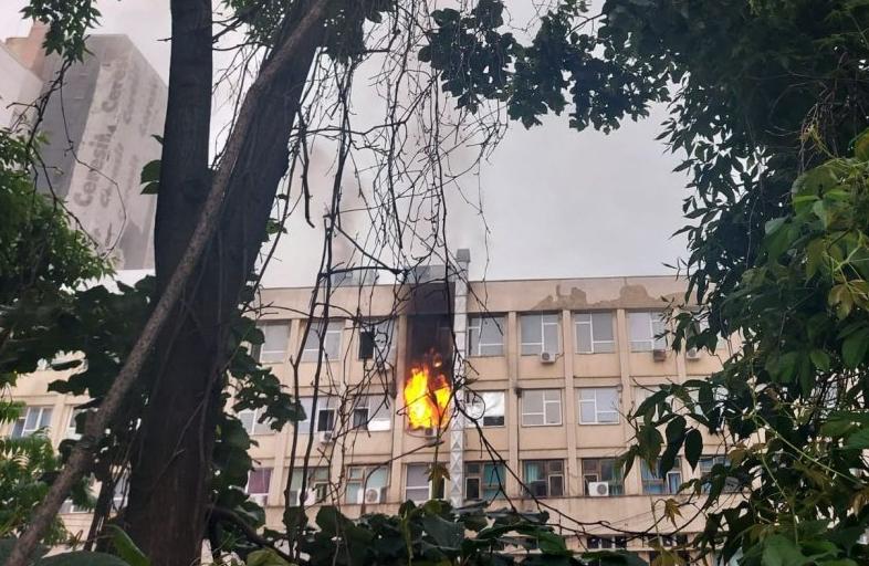 Incendiu la Spitalul de copii din Iași. 12 persoane au fost evacuate