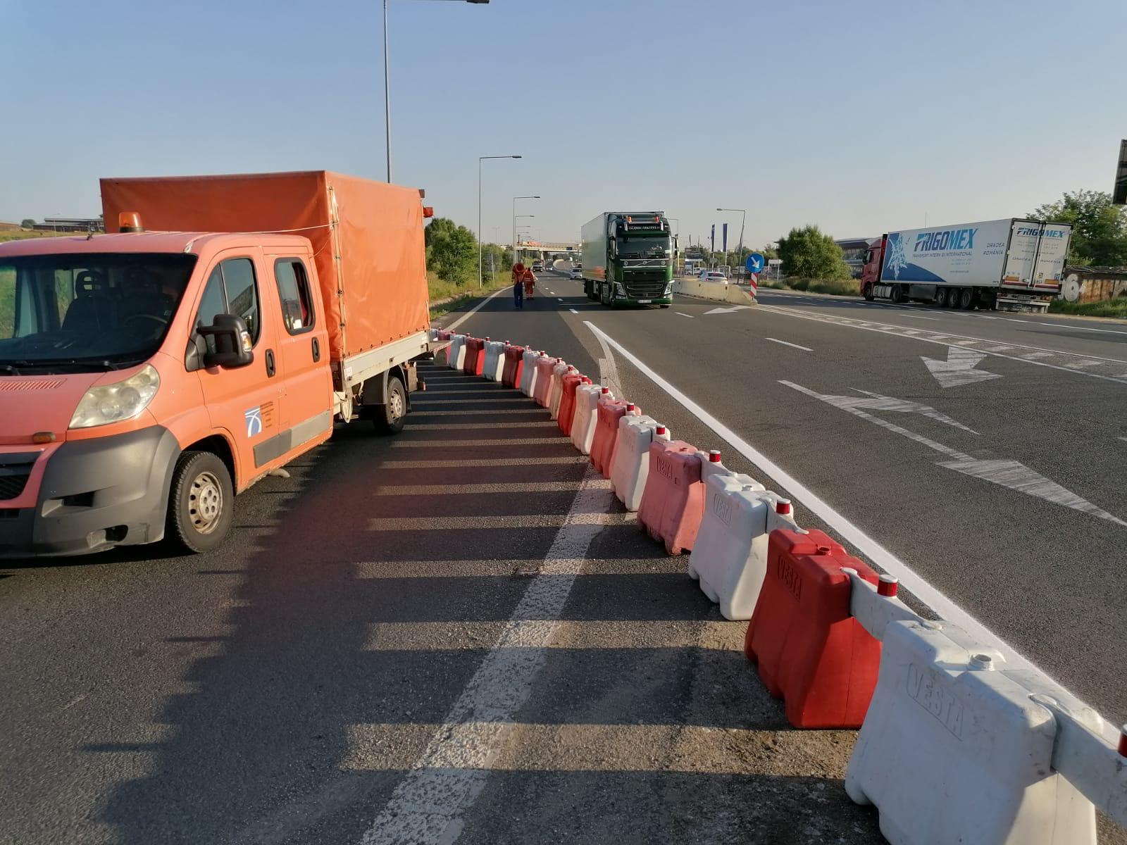 Acces blocat la intrarea pe autostradă, dinspre Brașov. Traficul este deviat spre Cisnădie