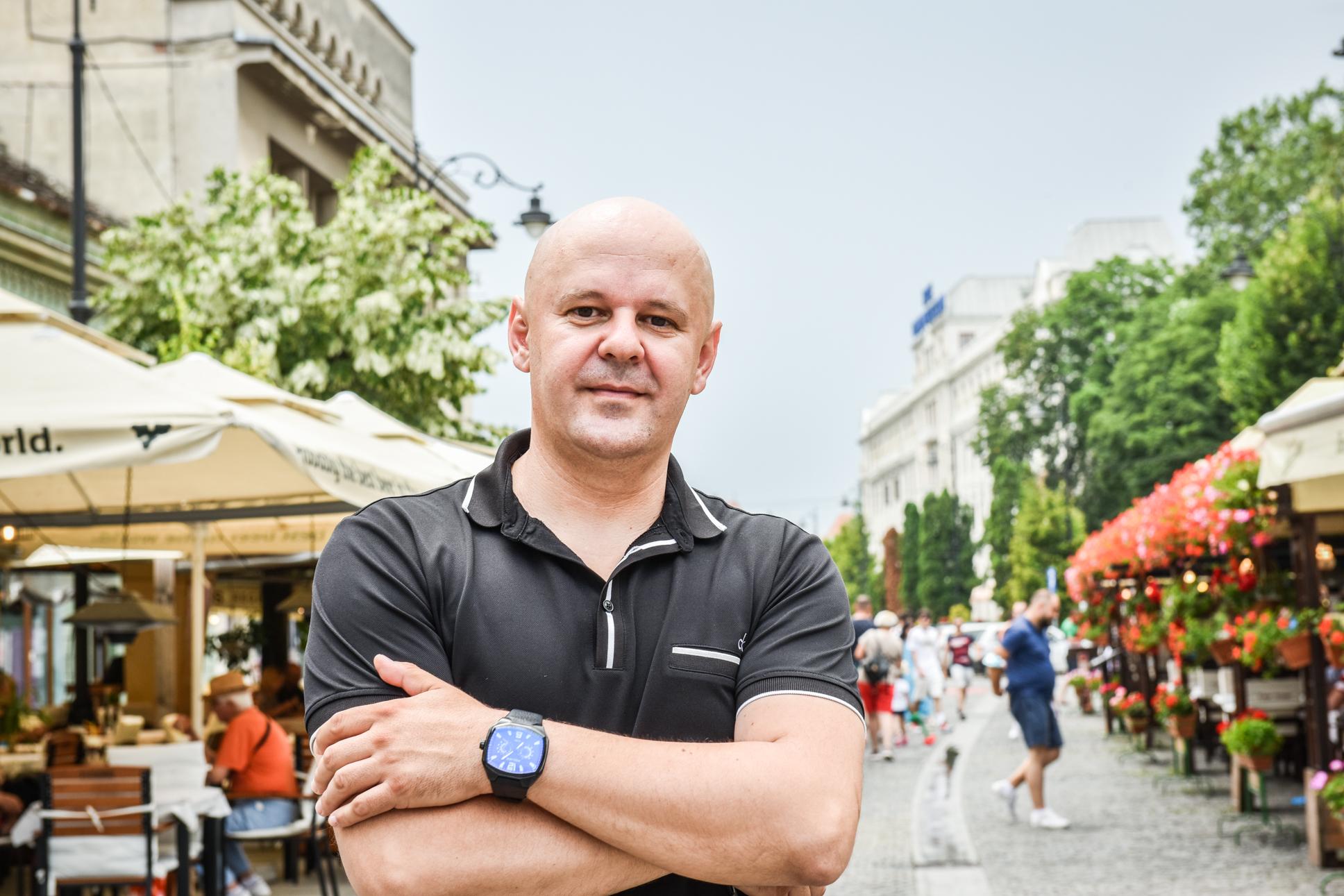 """Cel mai popular polițist din Sibiu: """"Știți cum e Poliția văzută? Exact așa cum este întreaga societate"""""""