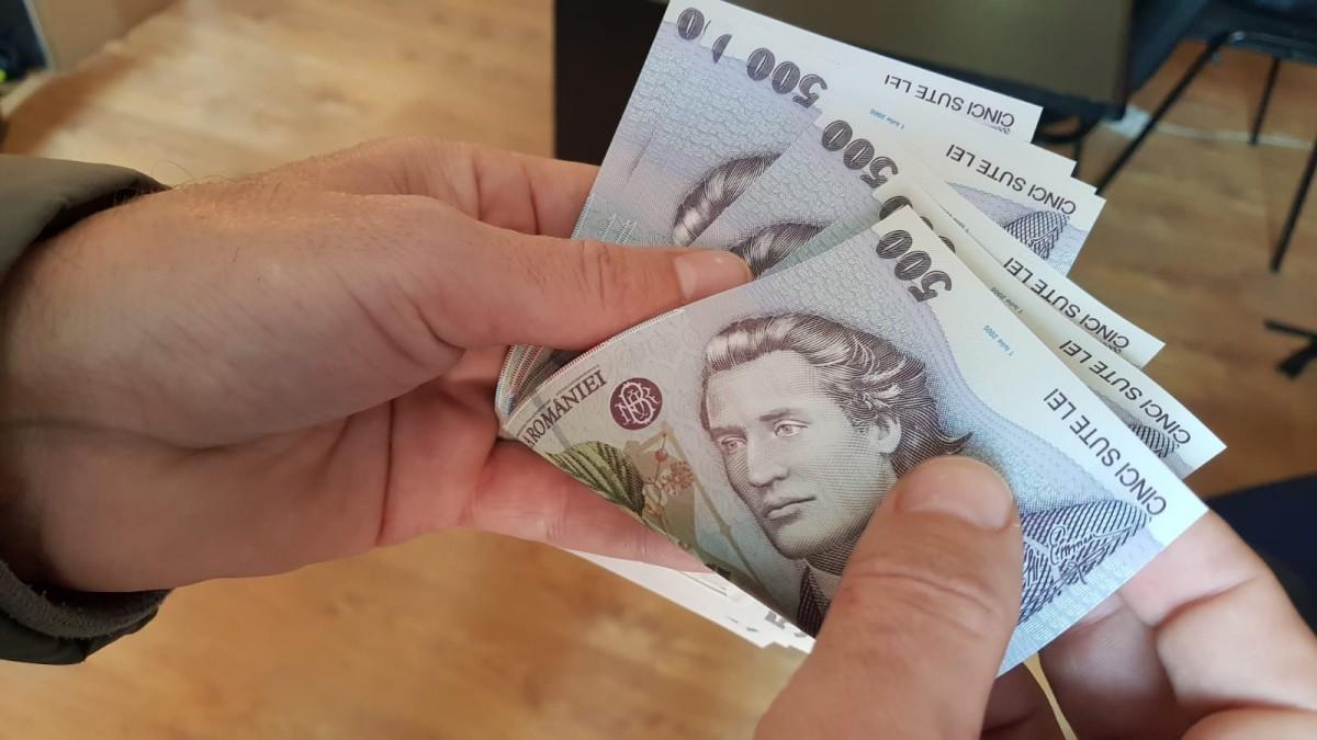 Salariul mediu brut în județul Sibiu a crescut cu peste 5%, ajungând la 5.700 de lei