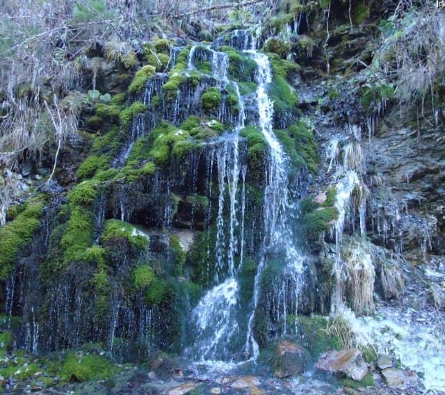 FOTO-VIDEO Două cascade aproape neștiute, asemănătoare cu Bigăr, la doi pași de Sibiu