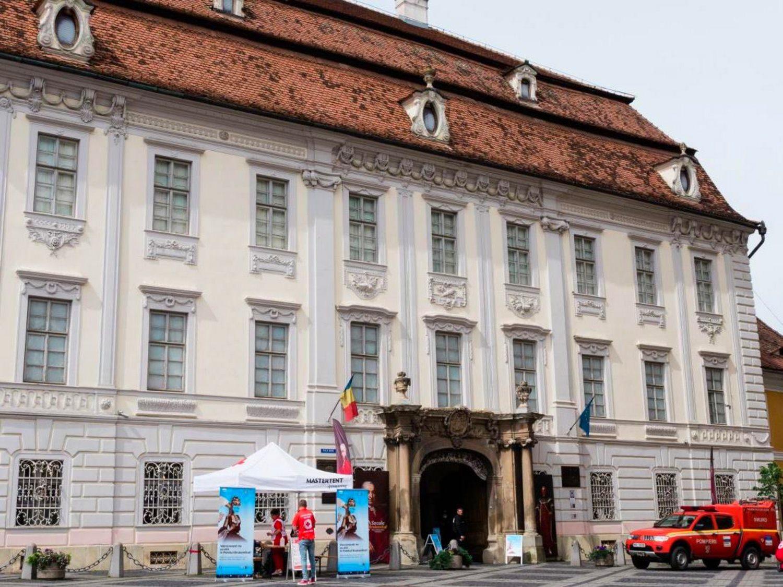 Sibienii care s-au vaccinat la Muzeul Brukenthal, așteptați la rapel în acest weekend