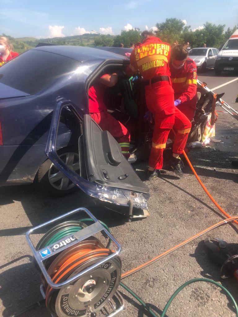 Accident în lanț pe DN 14, într-o curbă periculoasă. Un copil printre victime