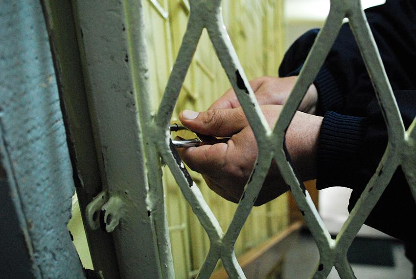 Sibian condamnat la doi ani de închisoare, pentru că a condus fără permis
