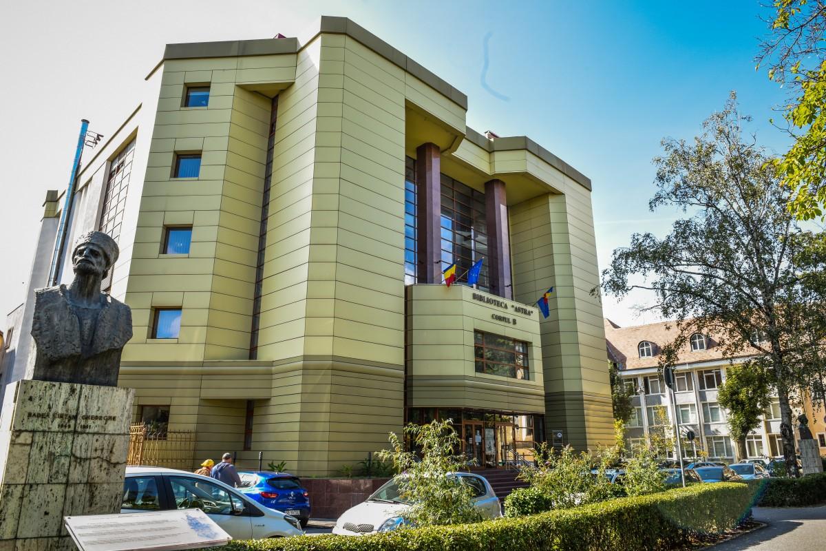 Conducerea Bibliotecii Astra s-a răzgândit: nu mai dă oameni afară, cere bani de salarii
