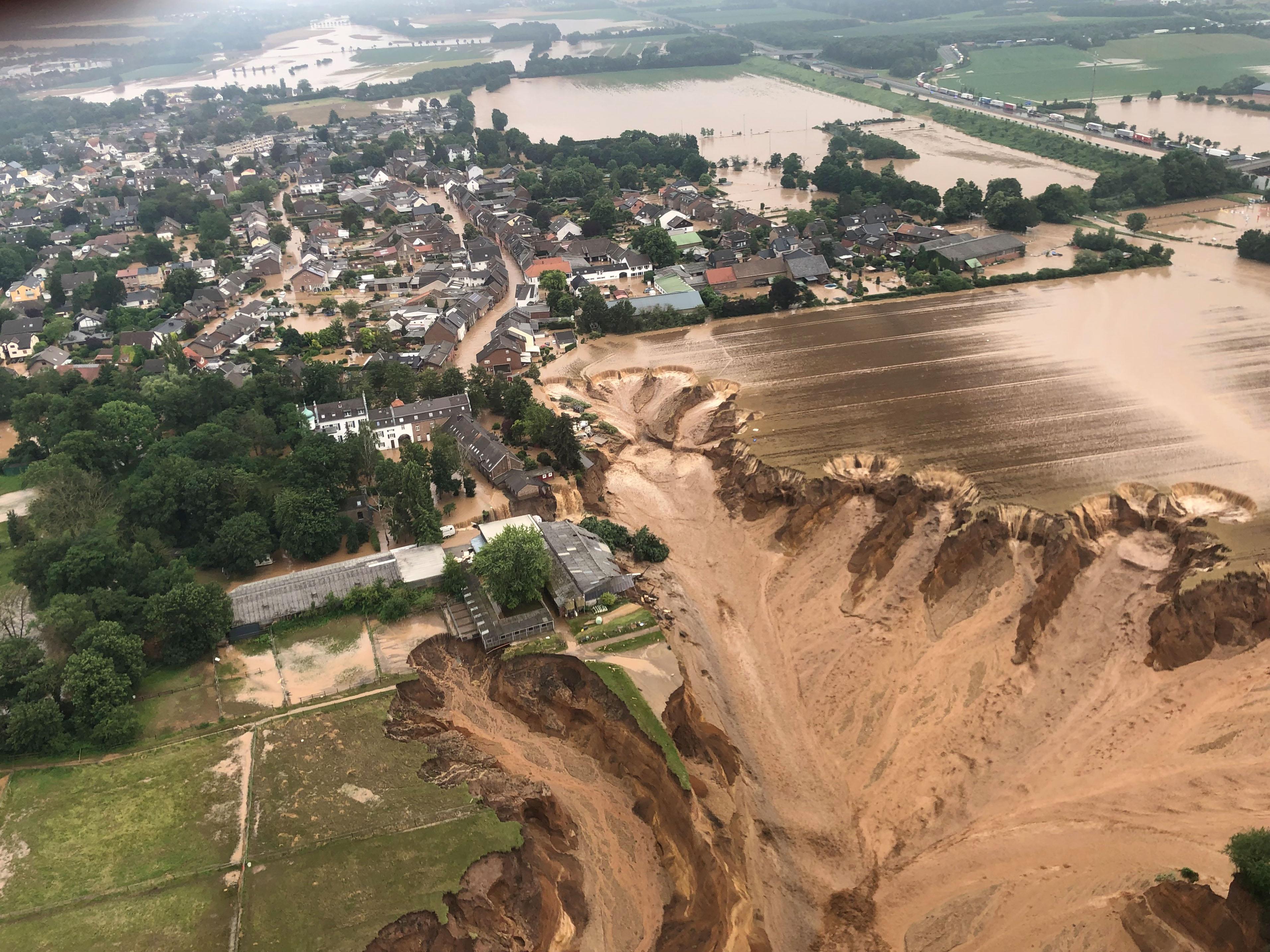 Germania: alunecare de teren, într-o zonă afectată de inundaţii. Bilanţul a crescut la 103 morţi în Germania, 118, în Europa
