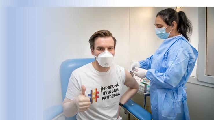 """Secretarul de stat Andrei Baciu, despre valul 4 de COVID-19: """"Restricțiile vor fi la nivel local, vaccinul face diferența"""""""