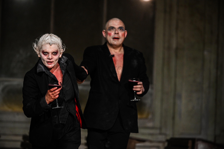 """""""Faust"""" și alte patru producții TNRS se joacă în august pe scena naționalului sibian"""