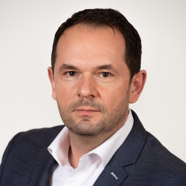 Senatorul Claudiu Mureșan propune înființarea unei linii de gardă pentru asistența de urgență la Mediaș