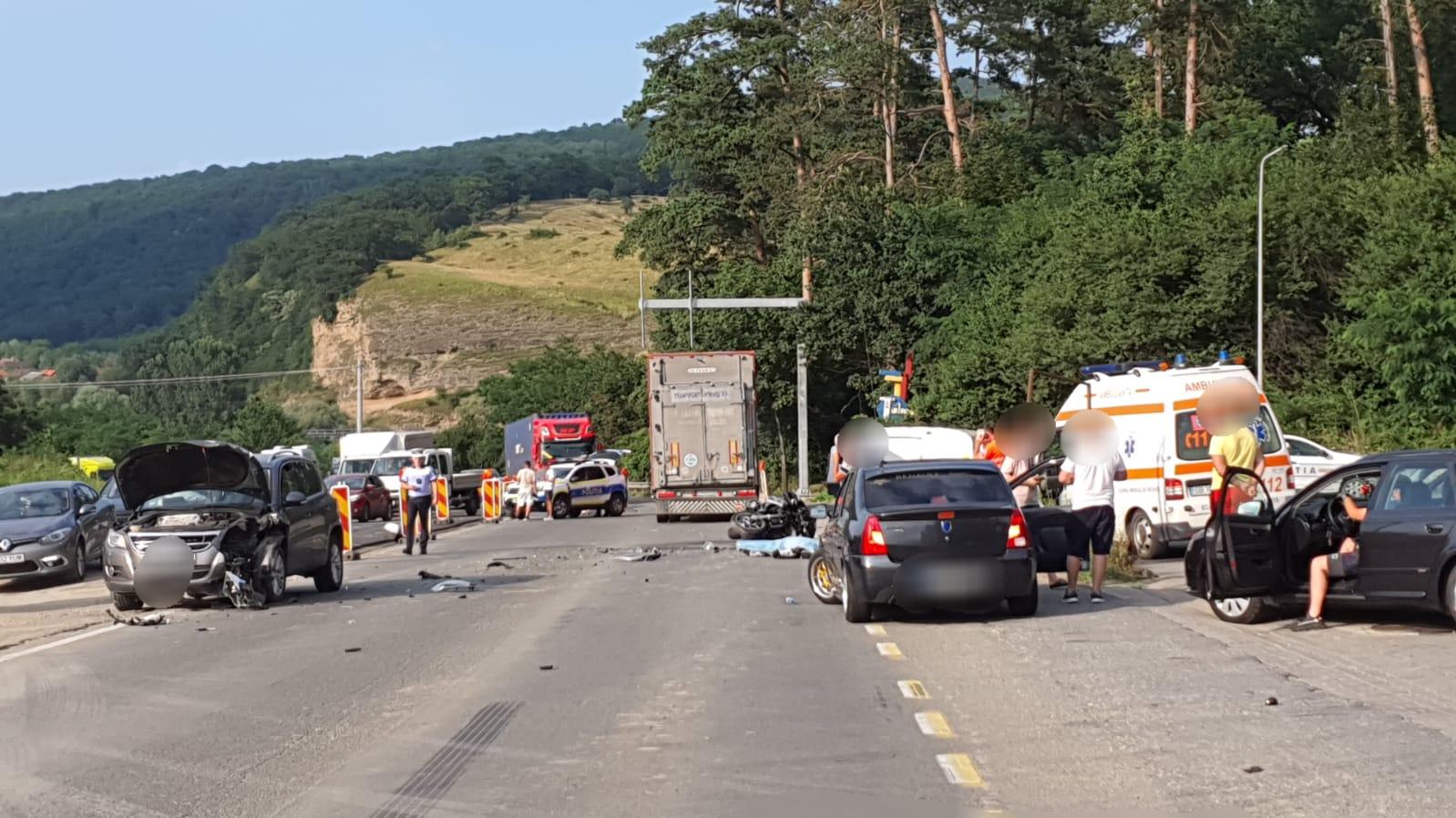 Al treilea accident mortal al zilei de vineri: un motociclist a decedat la Tălmaciu