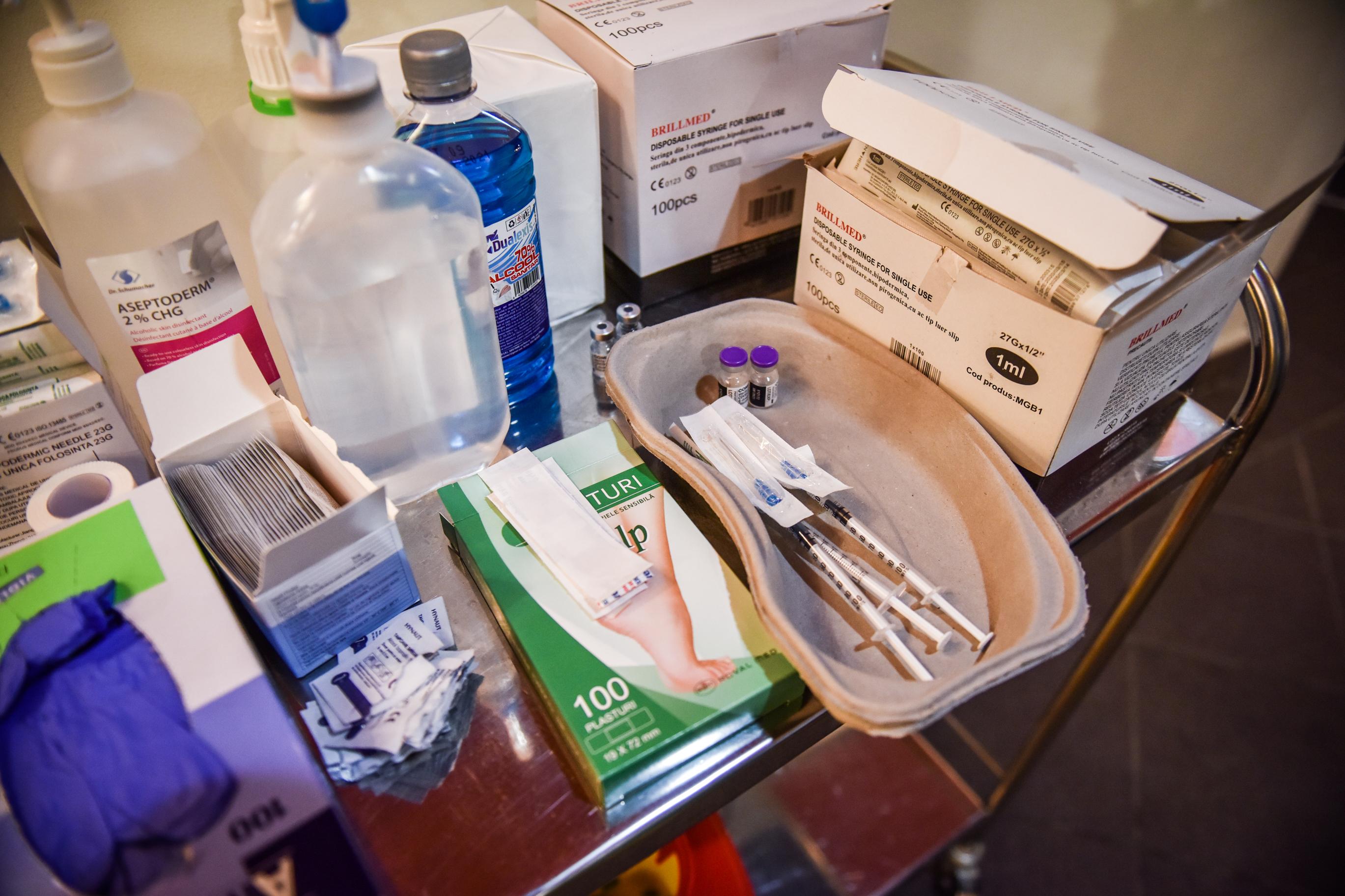 Gheorghiţă: Din 2 august, persoanele cu vârsta între 12 şi 17 ani se pot vaccina cu ser de la Moderna