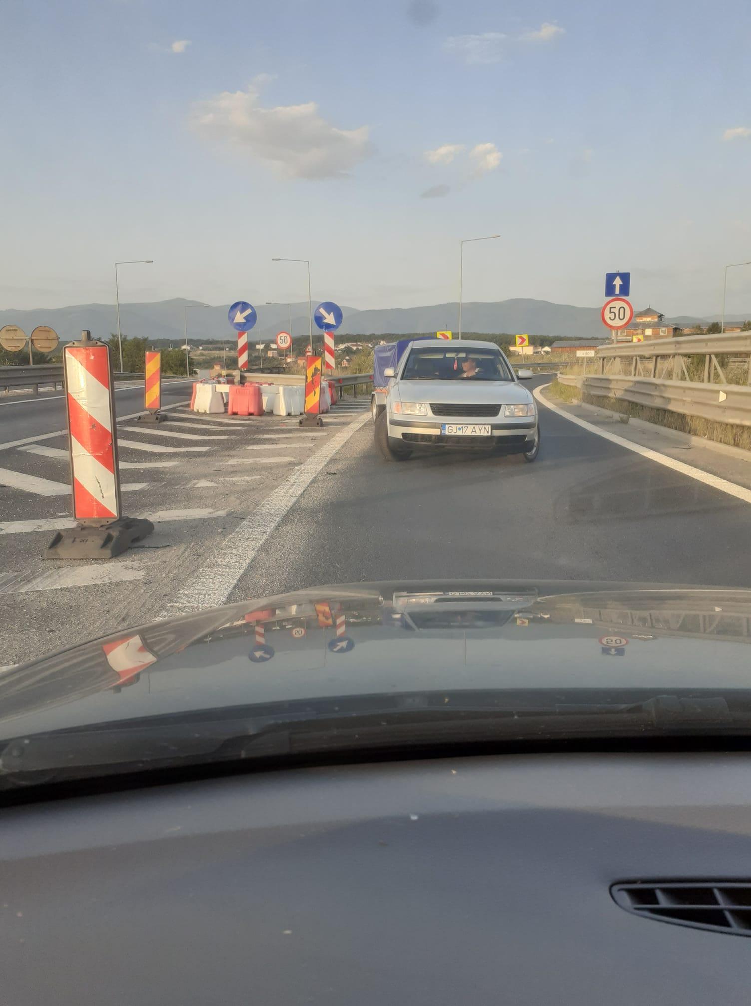 Șofer fotografiat mergând pe contrasens, pe autostradă, la ieșirea spre Veștem