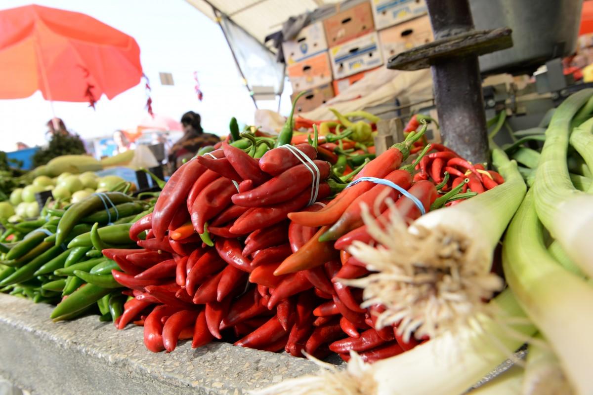 Cîţu: Nu voi închide pieţele agroalimentare şi mall-urile