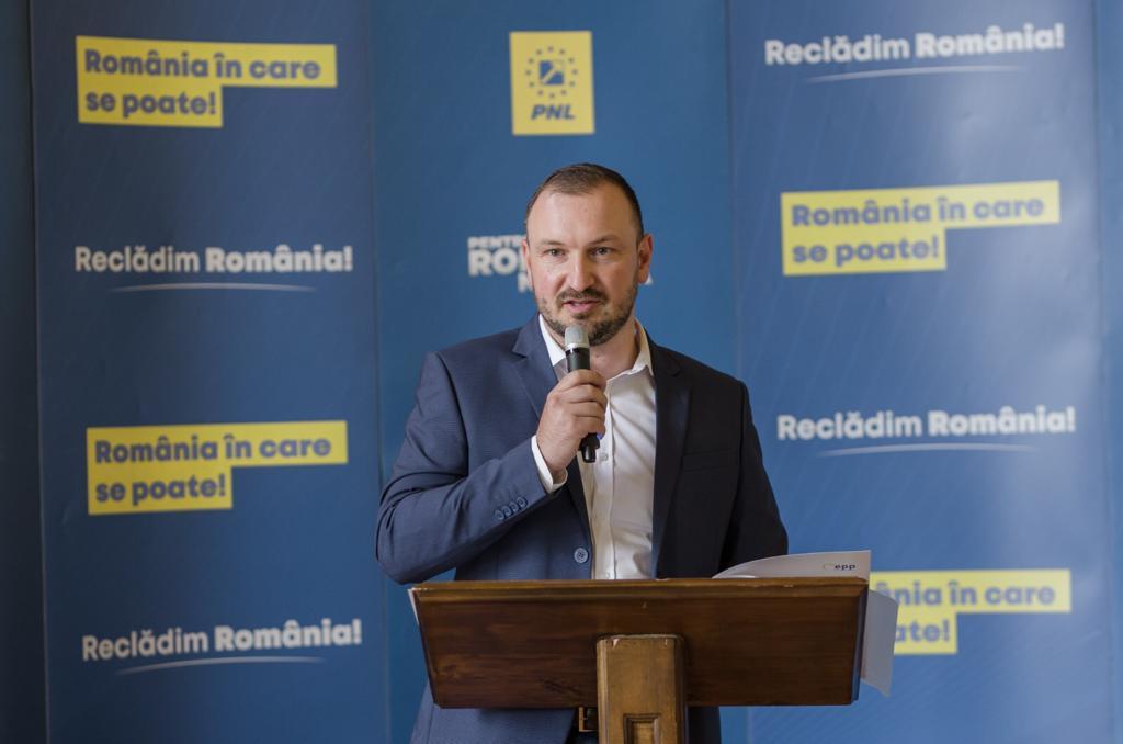 Adrian Bibu a fost ales președinte al PNL Sibiu