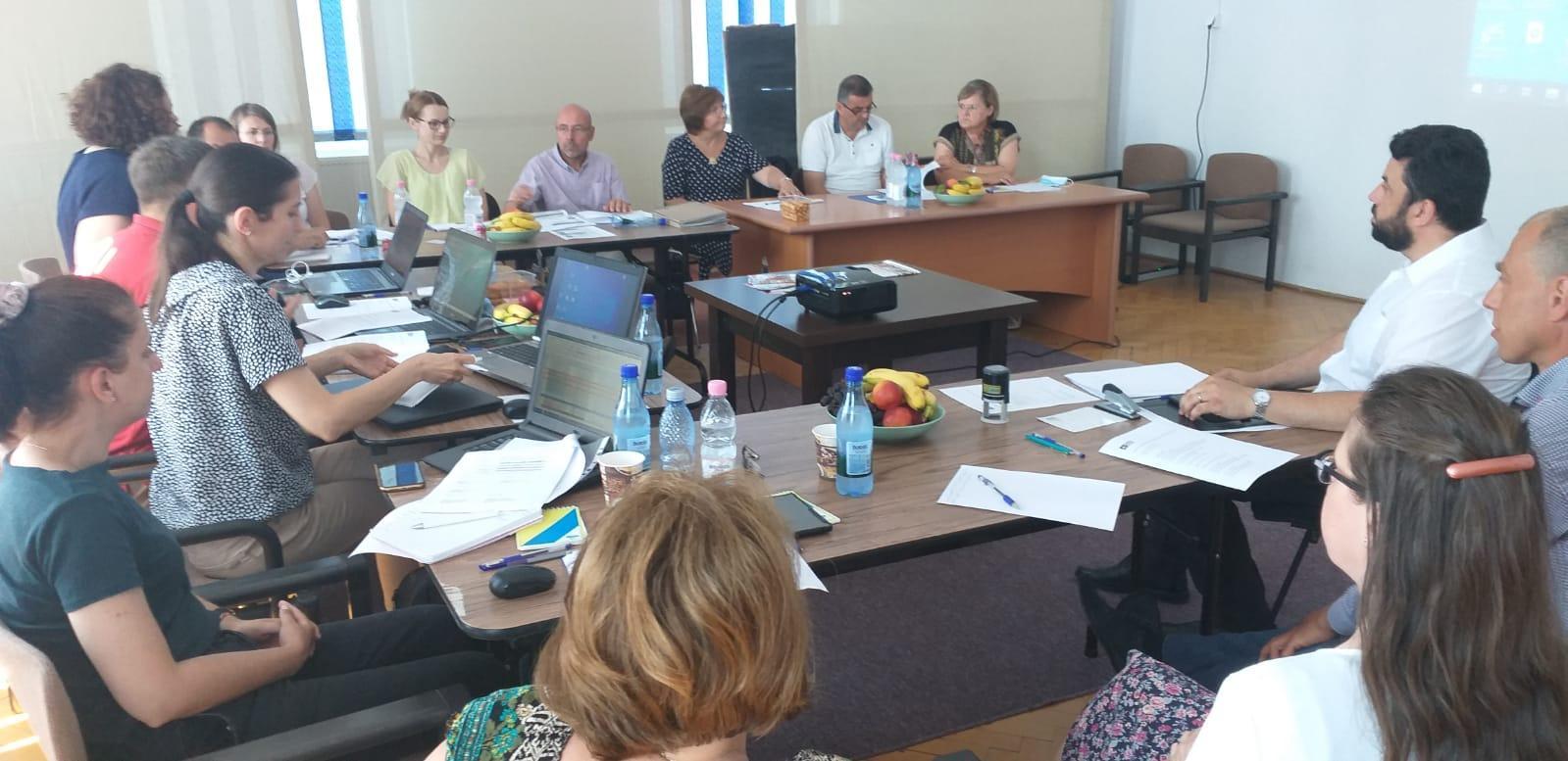 """""""Prin educație spre locuri de muncă decente!"""", un proiect ambițios al AFOS în parteneriat cu ISJ, Fundația Open Fields și o fundație din Elveția"""