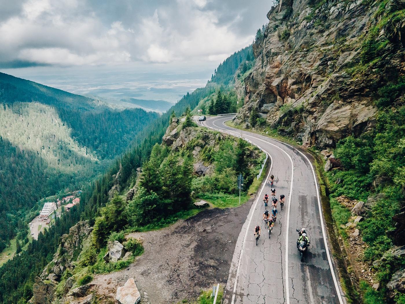 Prima competiție pentru cicliștii amatori. Transfăgărășan Challenge a reunit la start peste 300 de concurenți