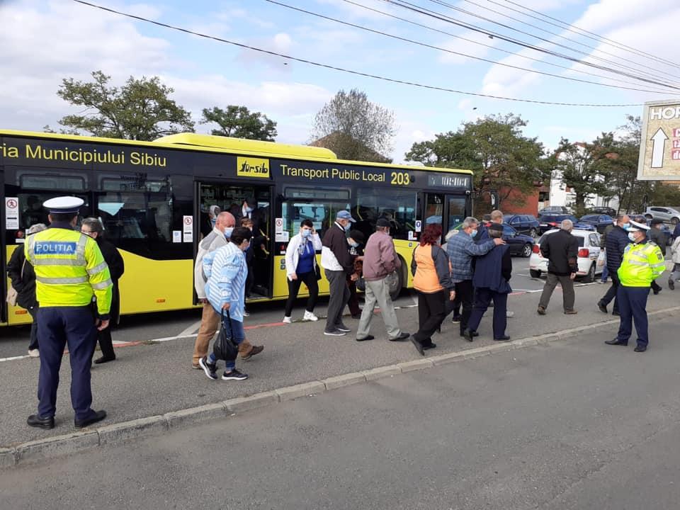 Vă trimiteți copilul la școală cu autobuzul? Tursib le cere părerea sibienilor