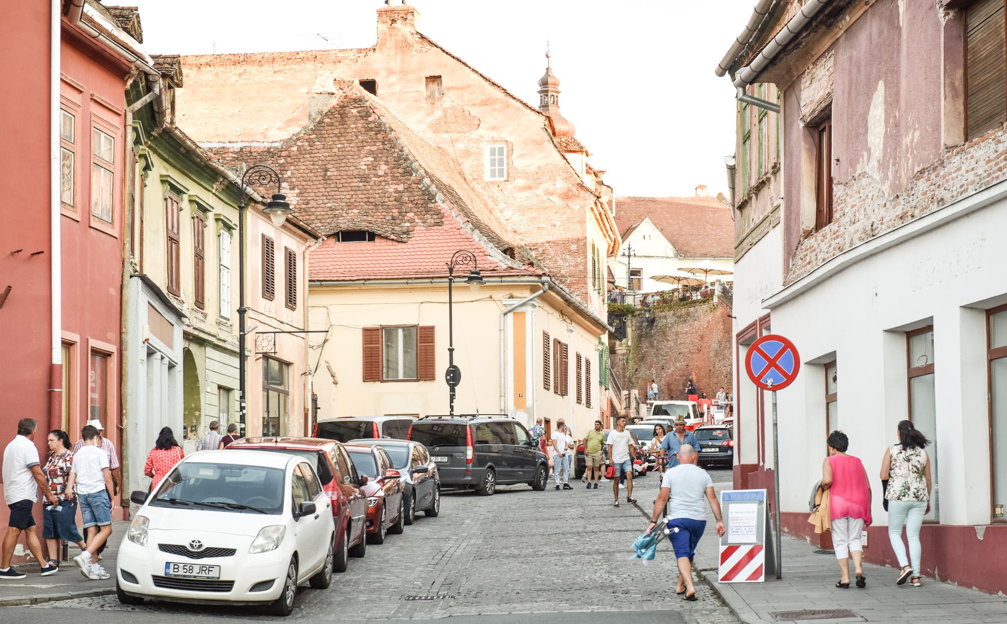 Sibiul nu va aplica generalizat măsura limitării vitezei la 30 km/h. Astrid Fodor: Reducerea poluării se va face renunțând la deplasarea cu automobilele