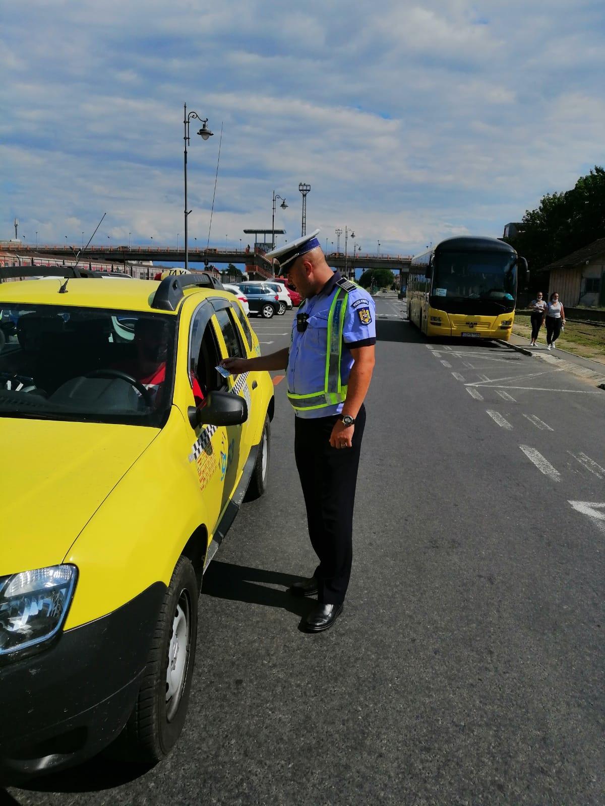 Amenzi de 70.000 de lei în două zile, pe drumurile din Sibiu. Polițiștii au reținut 14 permise de conducere