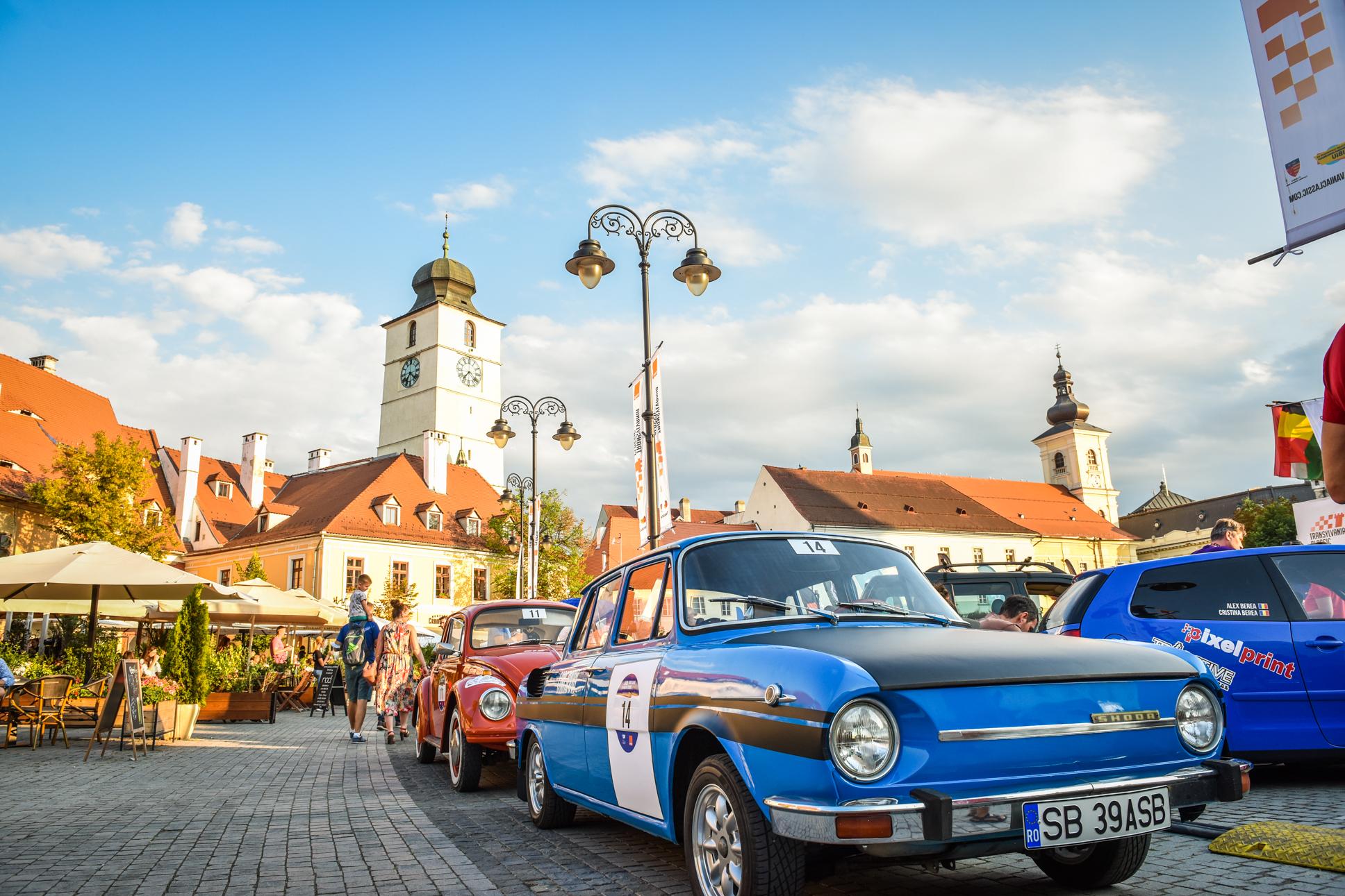 """Sibienii și mașinile de epocă: """"Am salvat-o de la fier vechi și acum este la Transylvania Classic"""""""