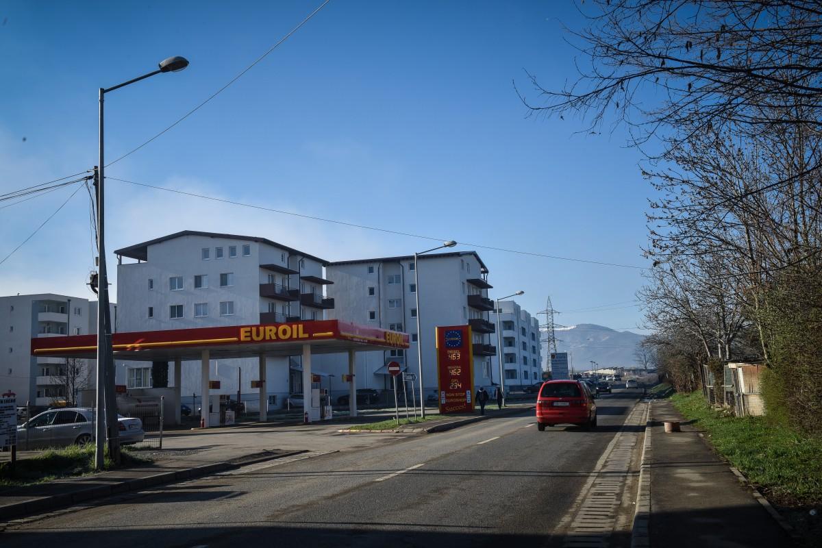 Șofer prins beat la volan, după ce a fost implicat într-o tamponare lângă o benzinărie de pe Calea Cisnădiei