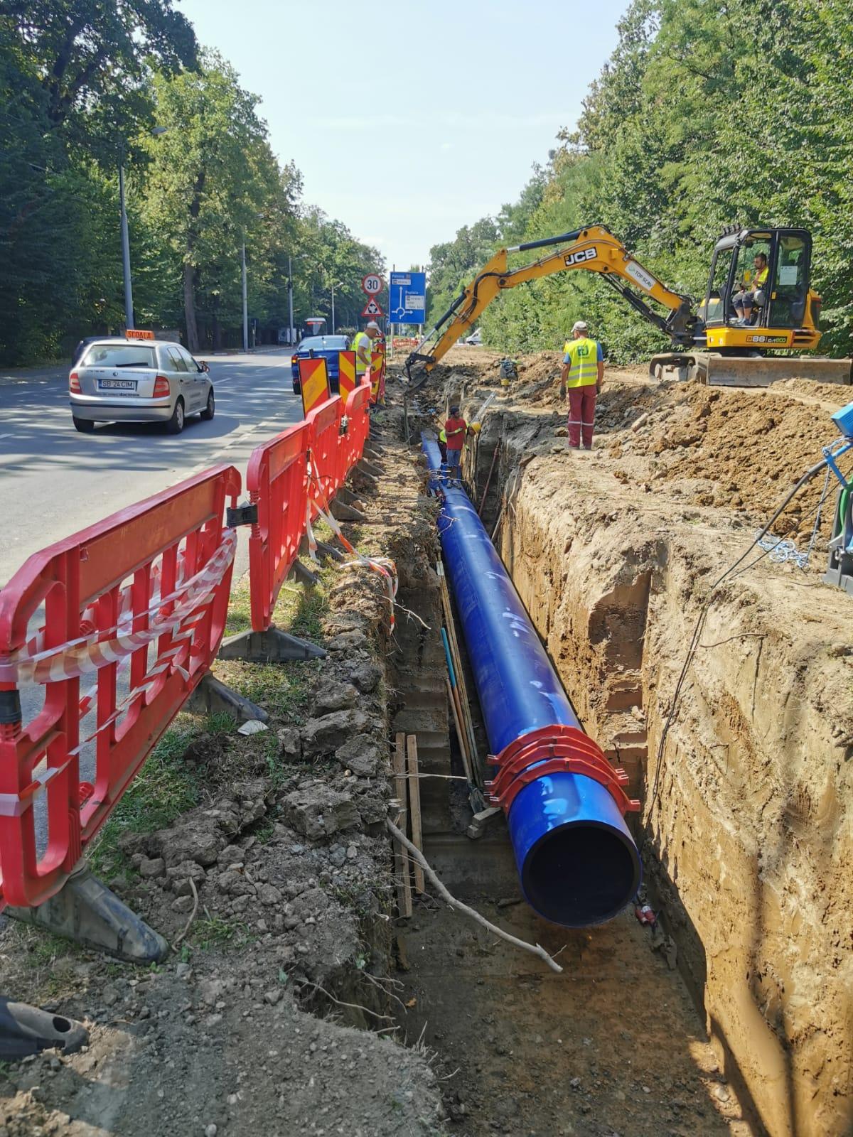 Premieră: Apă Canal Sibiu începe o lucrare amplă la conducta magistrală ce alimentează marile cartiere din Sibiu, folosind tehnologii și materiale noi, în premieră județeană