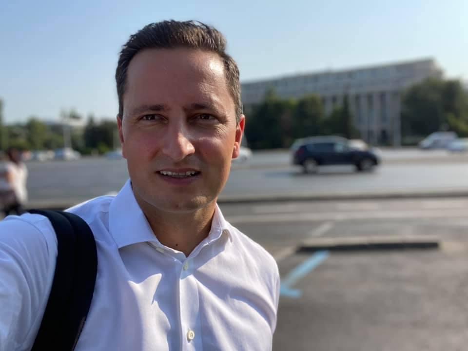 """Europarlamentarul Nicu Ștefănuță intră în """"a treia cale"""". Nu îi sprijină pe Barna și Cioloș în alegerile interne"""