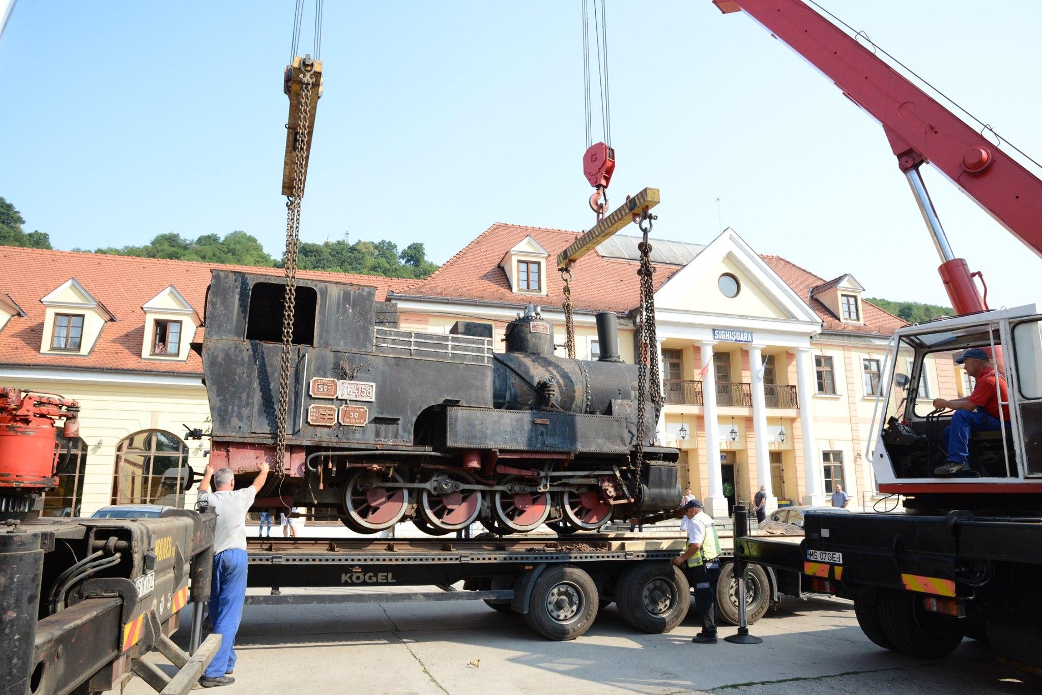 După 26 de ani, una din vechile locomotive cu abur ale mocăniței s-a întors acasă