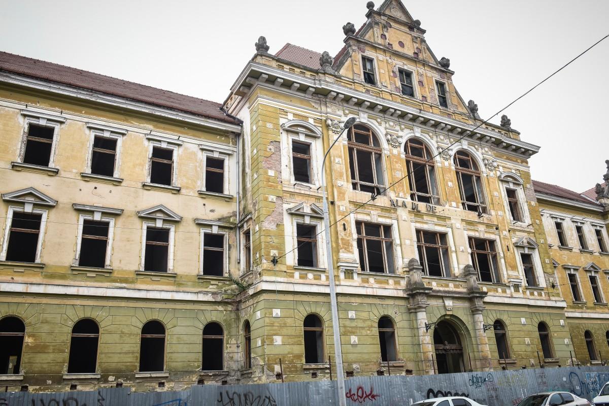 """Reabilitarea Palatului Justiției din Sibiu, licitație pentru încă un rând de acte. Va avea și o """"sală a pașilor pierduți"""""""