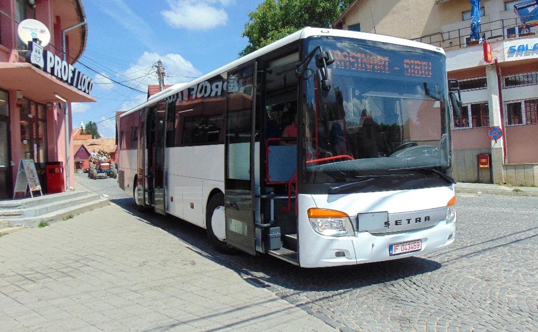 """O singură localitate se bate pentru a oferi transport localnicilor către Sibiu: """"am fost obligați"""""""