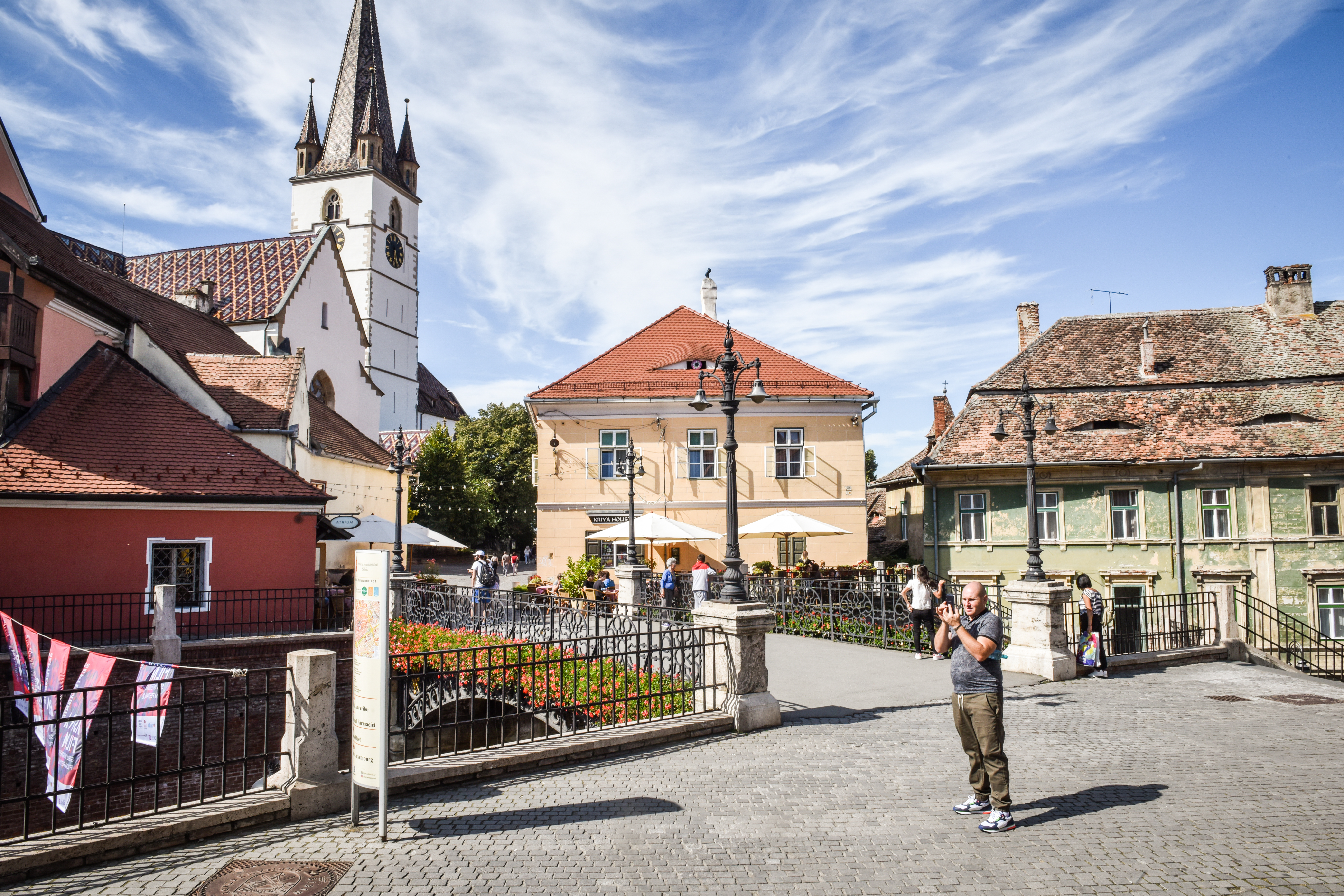 Incidența în orașul Sibiu trece de 1, cu 173 de cazuri active. Creșteri și în Șelimbăr și Cisnădie