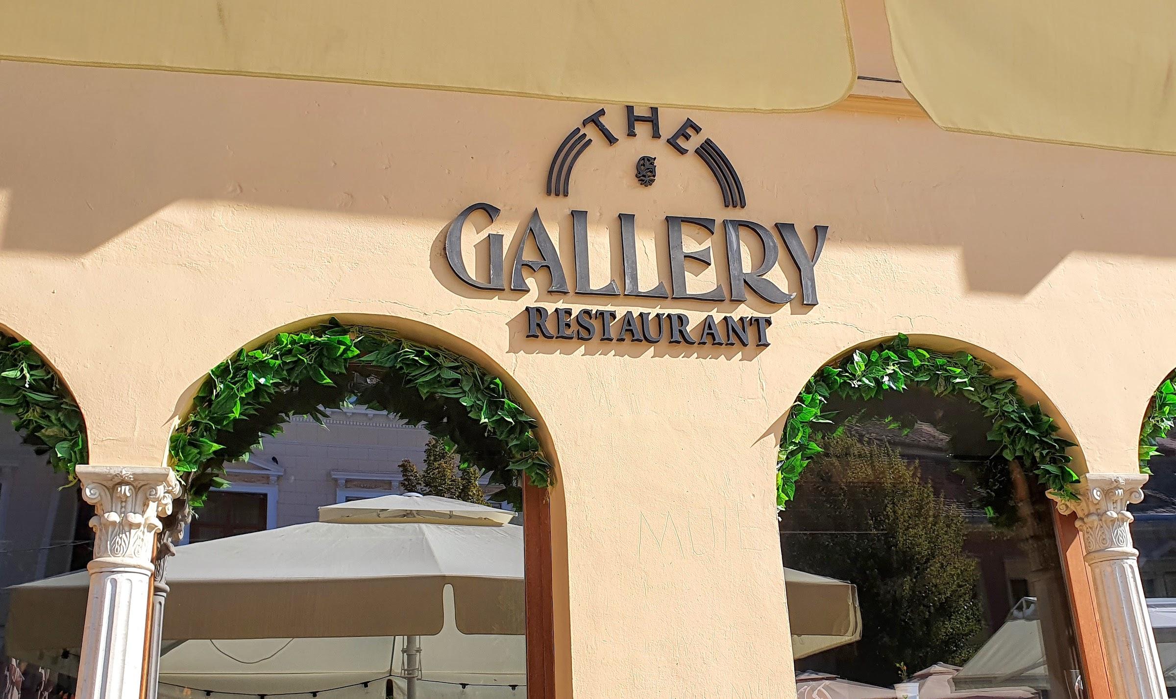 Restaurant Green Gallery. Când lupul își schimbă părul...
